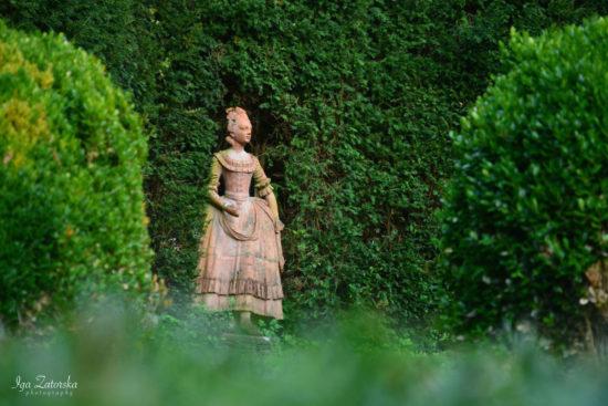 Statua di Colombina nel Teatro di Verzura - villa reale marlia