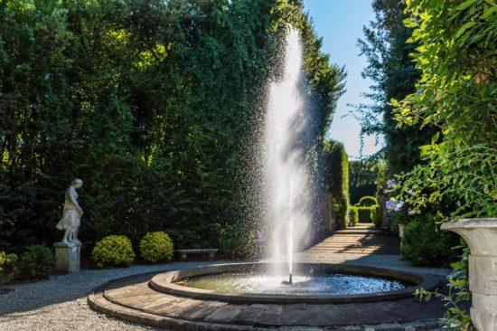Fontana del teatro di verzura di Villa Reale