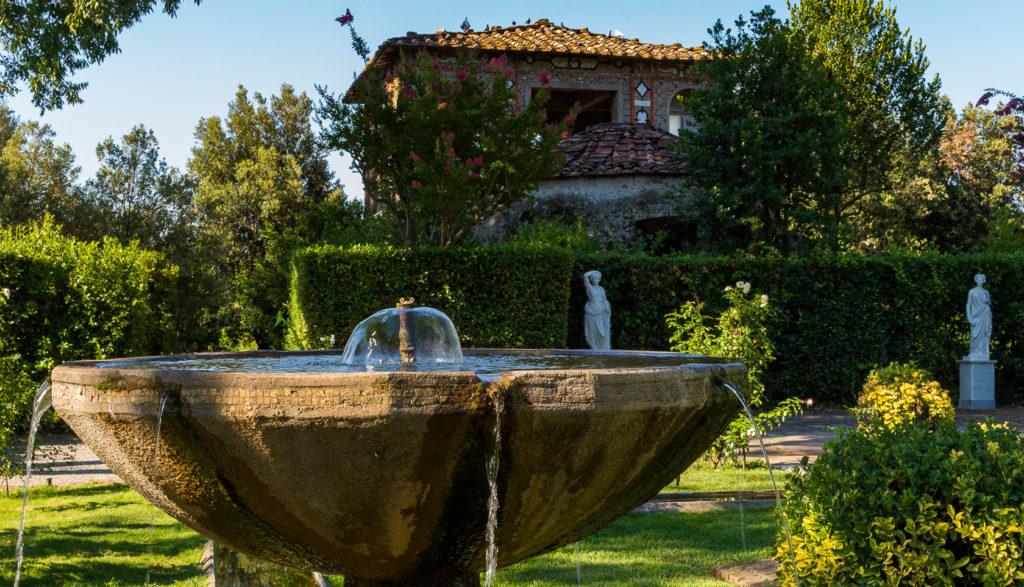 Fioriture 07 2017 Giardino Spagnolo Villa Reale - fontana