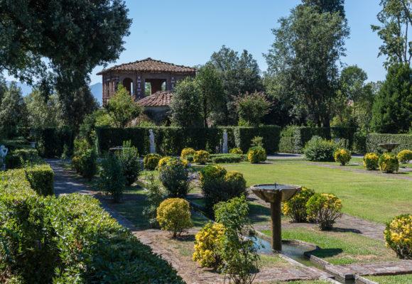 Giardino Spagnolo e edificio - Villa Marlia