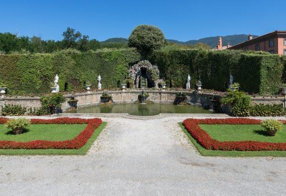 teatro d'acqua vista insieme Villa Reale di Marlia