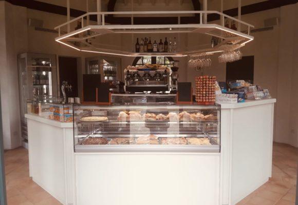 banco del nuovo Café Villa Reale