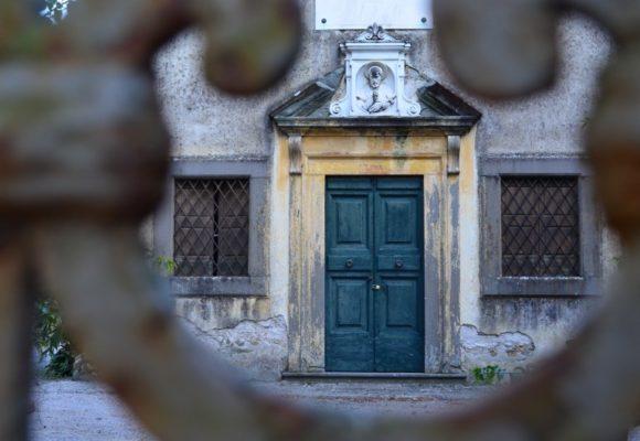 Inngresso Cappella di San Francesco Saverio, Villa Reale di Marlia