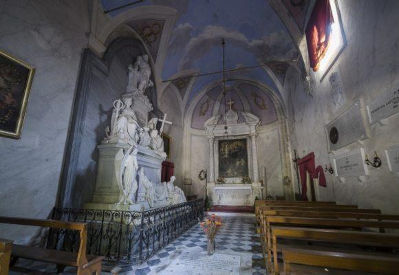 Interni Cappella di San Francesco Saverio, Villa Reale
