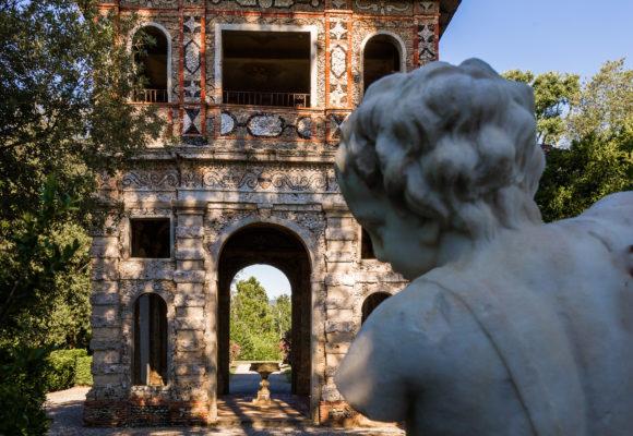 Giardino spagnolo e Grotta di Pan, particolare statuario - PGMEDIA