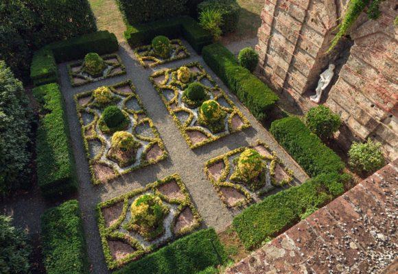 Vista dall'alto del Giardino all'Italiana, Villa Reale di Marlia Foto L. Bartoli