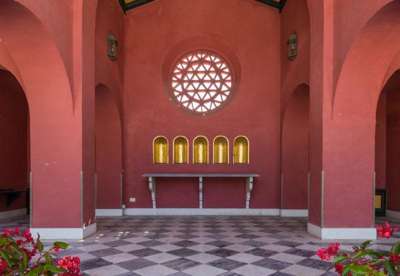 Edificio antestante la piscina di Villa Reale di Marlia
