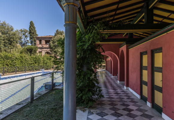 Porticato, piscina di Villa Reale