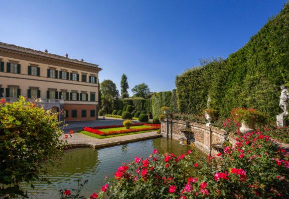 Foto d'insieme della Villa Reale e del Teatro d'Acqua - di Vincenzo Tambasco