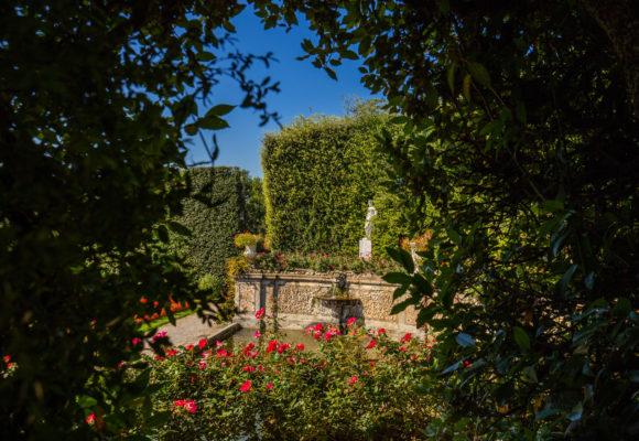 Scorcio del Teatro d'Acqua, alle spalle della Villa Reale - Foto di Vincenzo Tambasco