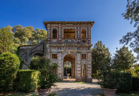 Edificio della Grotta di Pan, Villa Reale di Marlia - Foto di Vincenzo Tambasco
