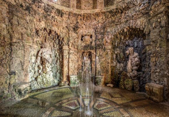Giochi d'acqua nella Grotta di Pan - Foto di Vincenzo Tambasco