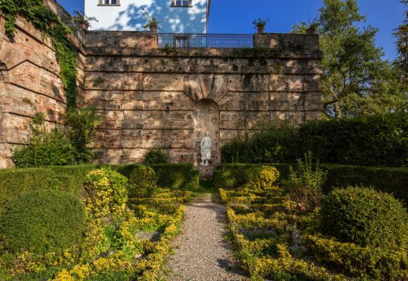 Giardino all'Italiana davanti alla Villa del Vescovo - Vincenzo Tambasco