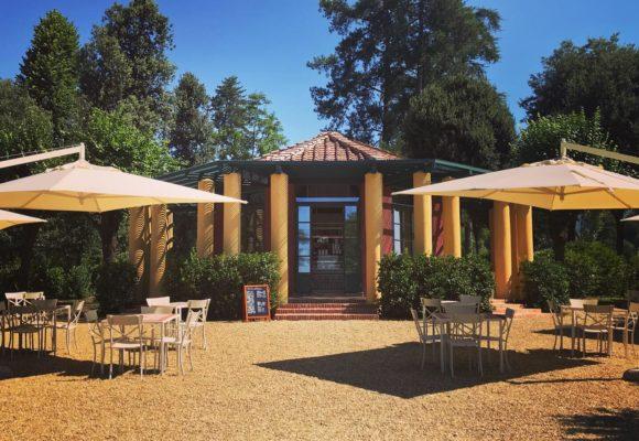 Padiglione gioci di inizio 900 restaurato come Café Villa Reale